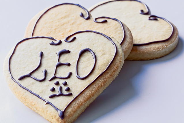 Pawsonalized Heart Cookie